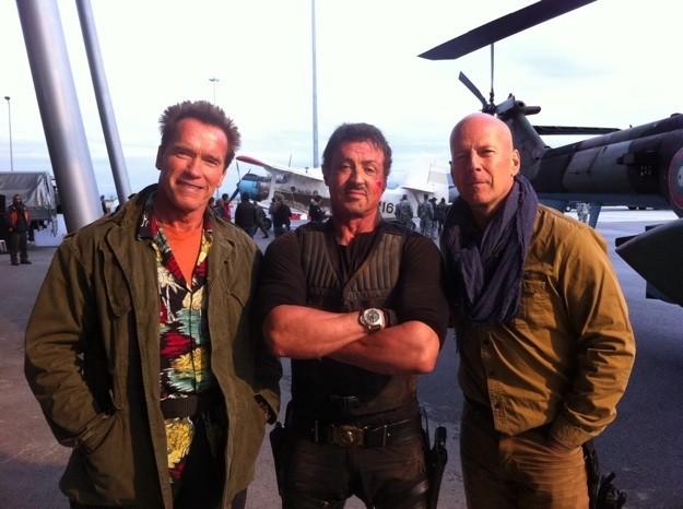 Sylvester Stallone, Arnold Schwarzenegger e Bruce Willis insieme in Bulgaria sul set di The Expendables 2