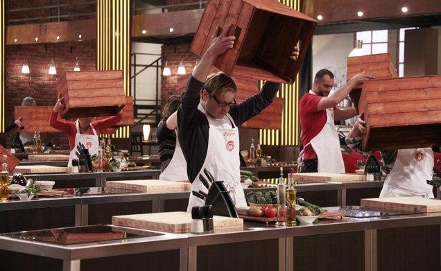 I concorrenti della prima edizione di Masterchef Italia alle prese con la prova del Mistery Box