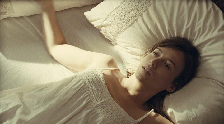 Mientras Duermas: Marta Etura  in una immagine del thriller di Balaguerò