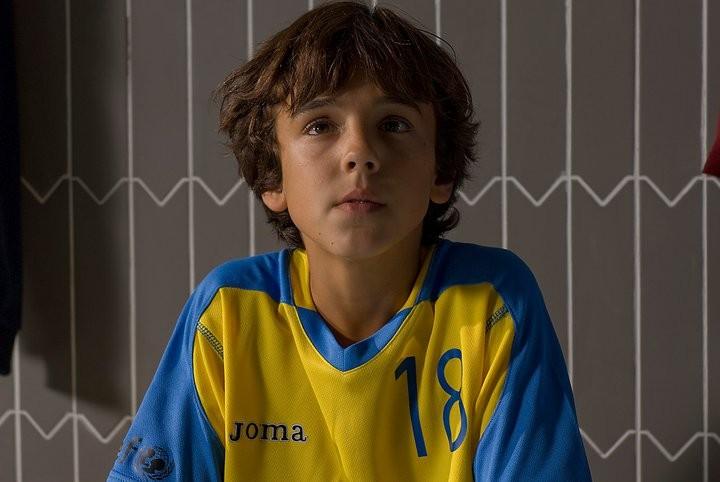 Oscar Casas nel film El sueño de Iván