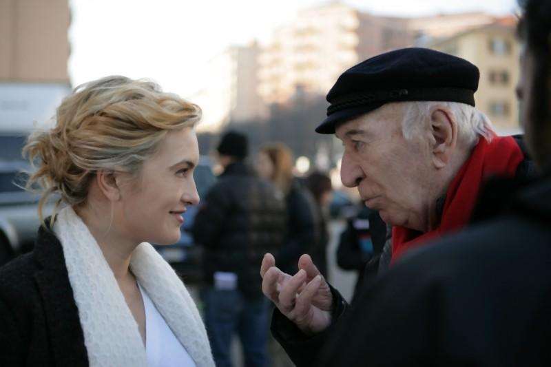 Carolina Crescentini e Giuliano Montaldo sul set del film L'industriale