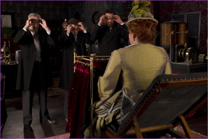 Hysteria: Sheridan Smith si mostra a Jonathan Pryce, Hugh Dancy e Rupert Everett