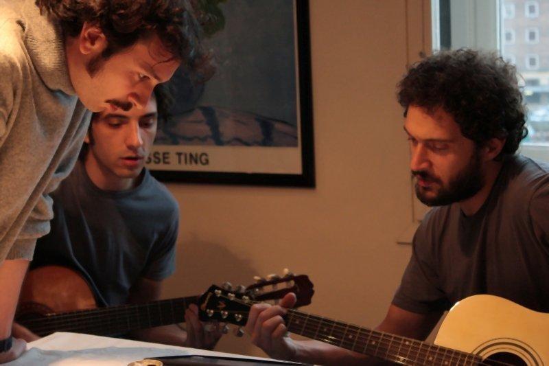 I primi della lista: Paolo Cioni, Francesco Turbanti e Claudio Santamaria in una scena del film