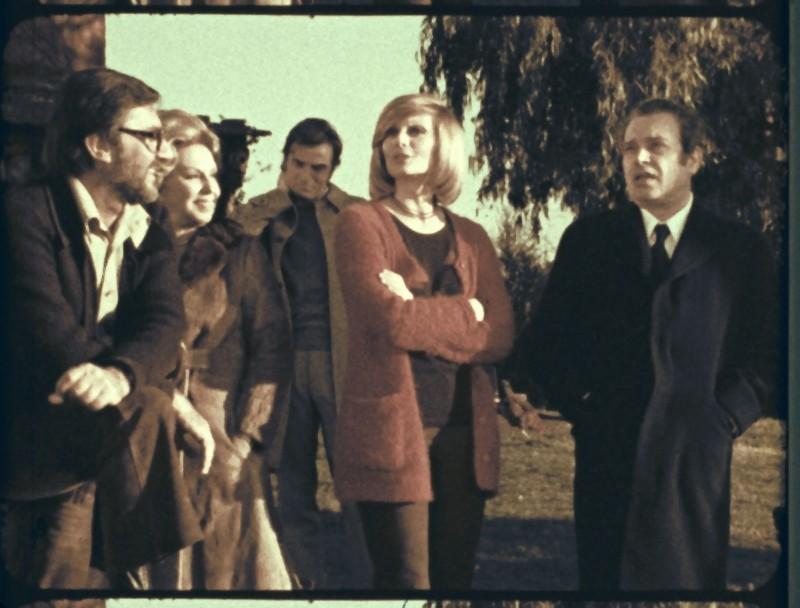 Il cast del film L'illazione di Lelio Luttazzi in una scena del film