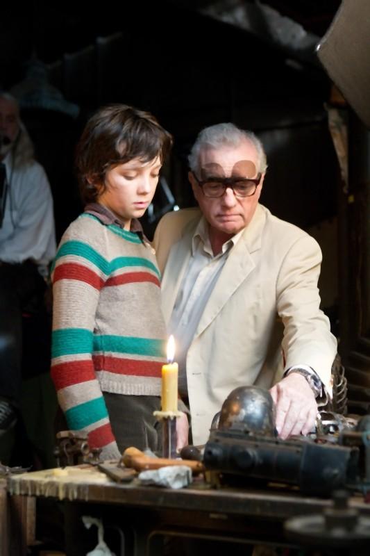 Martin Scorsese insieme al giovane Asa Butterfield sul set di Hugo Cabret 3D