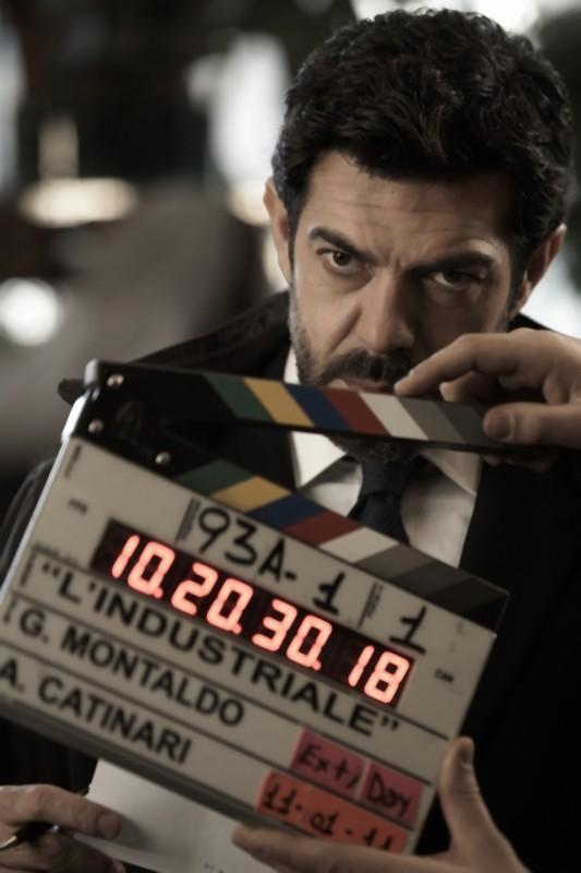 Pierfrancesco Favino in un'immagine dal set del film L'industriale