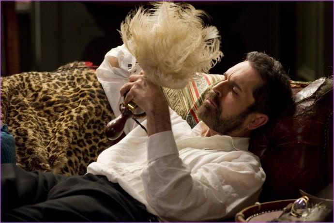 Rupert Everett in un'immagine tratta dal film Hysteria
