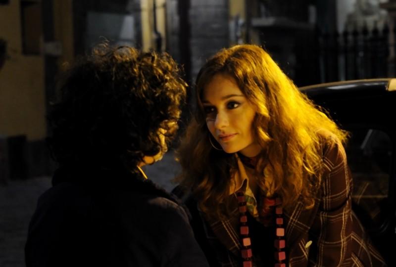 La kryptonite nella borsa: Cristiana Capotondi in una scena del film insieme a Luigi Catani
