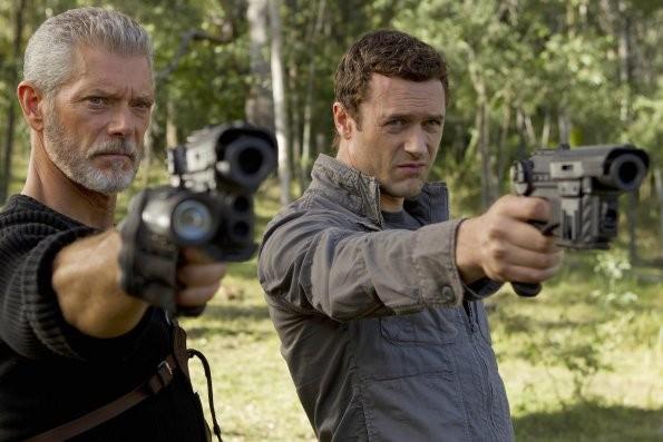 Terra Nova: Jason O'Mara e Stephen Lang nell'episodio Bylaw