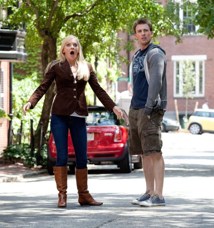 Anna Faris e Chris Evans in una comica scena di (S)ex List