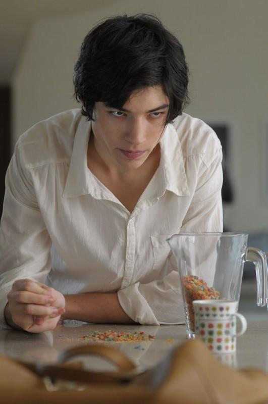 Ezra Miller protagonista di We Need To Talk About Kevin in una scena del film