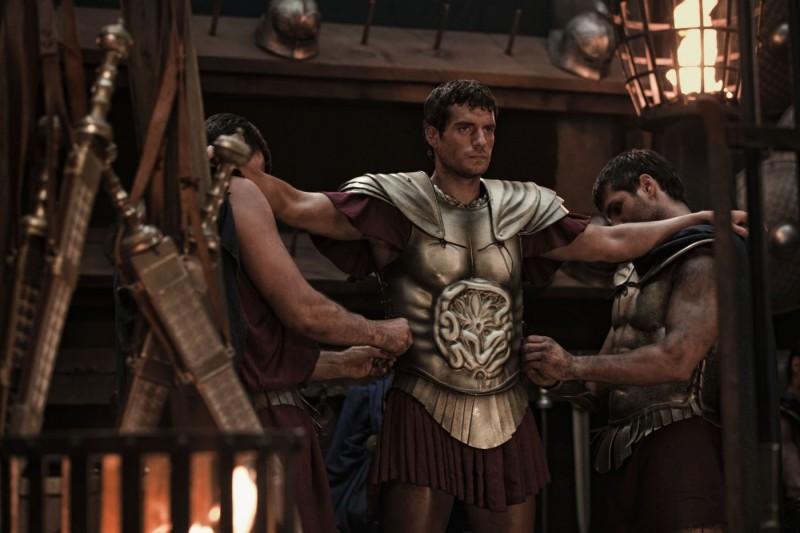 Henry Cavill nei panni di Teseo in una scena del film epico Immortals 3D