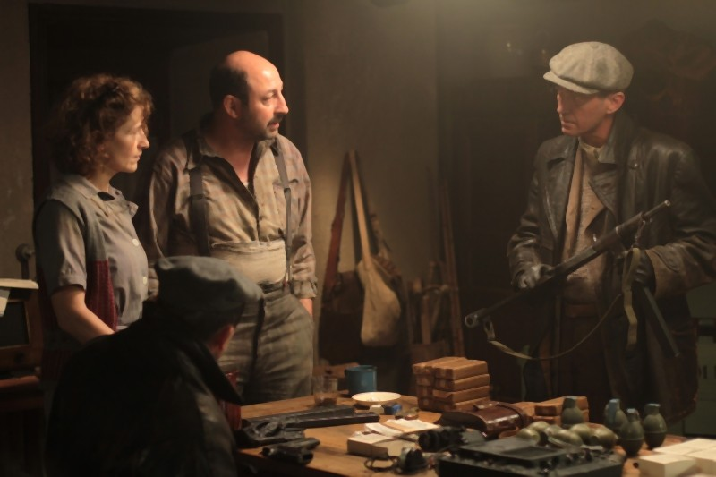 Kad Merad in una scena del film La nouvelle guerre des boutons