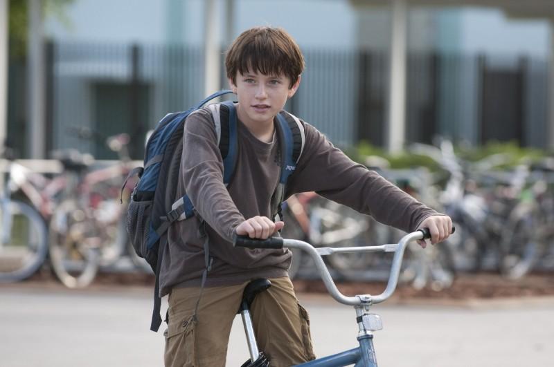 L'incredibile storia di Winter il delfino: Nathan Gamble in bicicletta nei panni del piccolo Sawyer