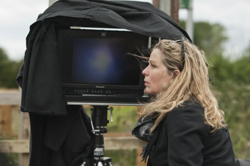 La regista Lone Scherfig sul set del suo romantico One Day