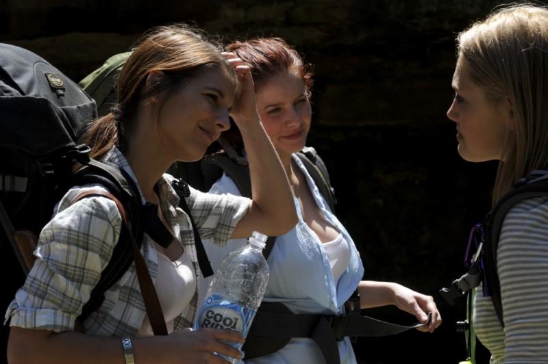 Rachel Hurd-Wood, Caitlin Stasey e Phoebe Tonkin sul set del film The Tomorrow Series: il domani che verrà