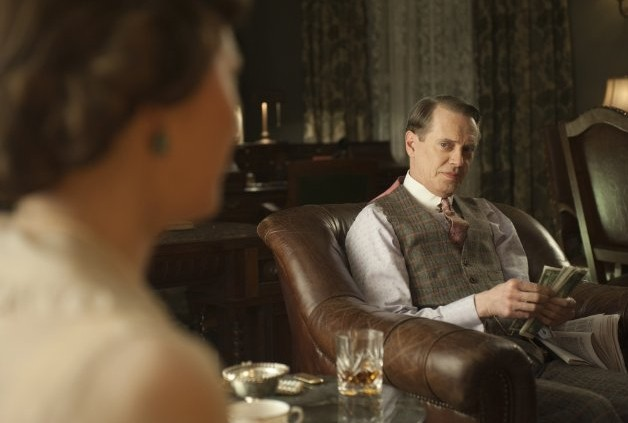 Steve Buscemi in una scena dell'episodio What Does the Bee Do? di Boardwalk Empire