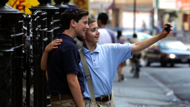 Binyomin Shtaynberger e Muatasem Mishal a Chinatown in una bella immagine del film David