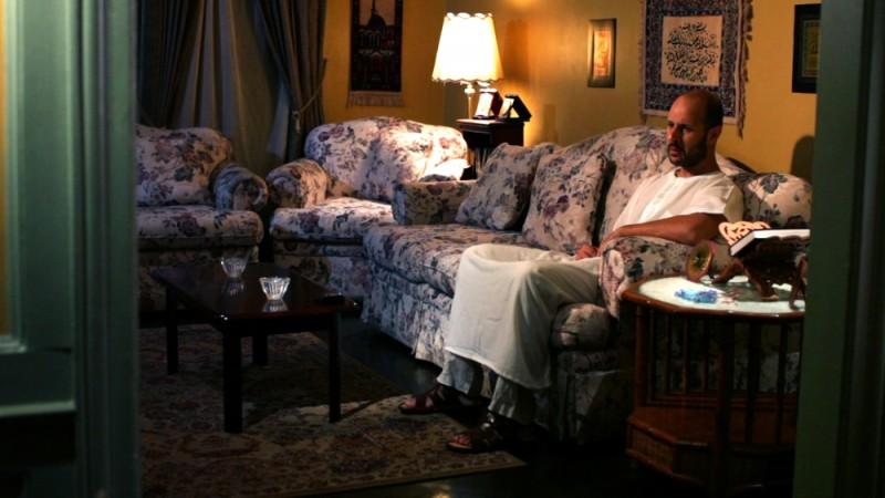 Maz Jobrani è Ahmed in una scena del film drammatico David