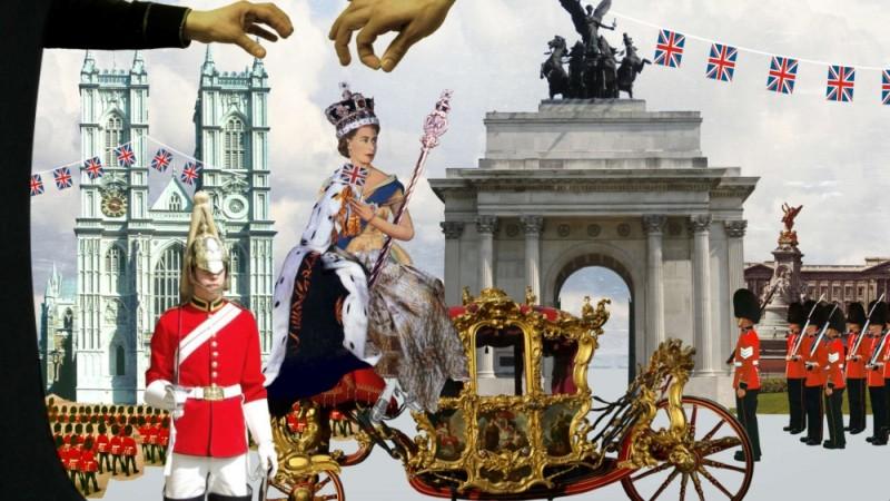 The british guide to showing off, l'incoronazione della regina in una scena del documentario