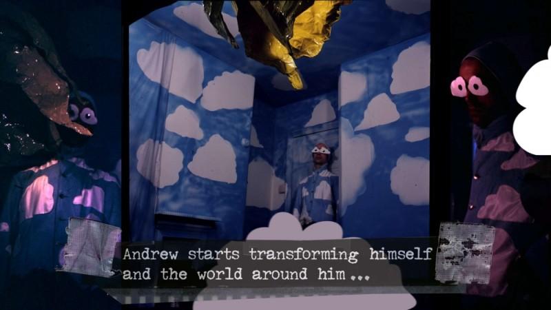 The british guide to showing off, una scena che ritrae la stanza delle nuvole di Andrew Logan