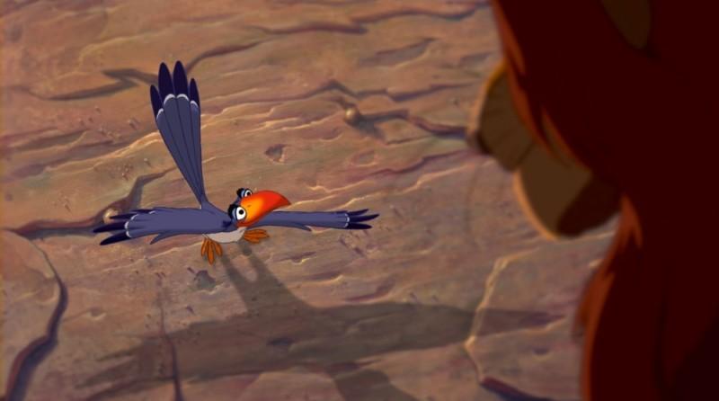 Zazu e Mufasa in una scena de Il re leone 3D