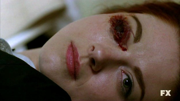American Horror Story (ep. Murder House, prima stagione): Alexandra Breckenridge in una scena