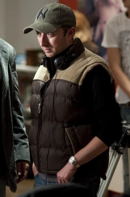 Foster, il regista Jonathan Newman sul set del film