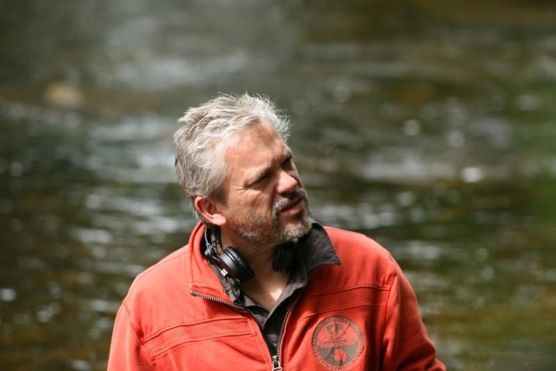 Gilles Martinerie, regista de Le diable dans la peau sul set del film