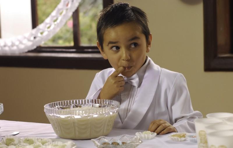 Il piccolo Markus Mecham Benavides in una scena del film En el nombre de la hija