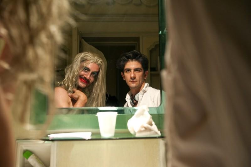Marco Foschi e Francesco Mandelli in una scena del film I soliti idioti