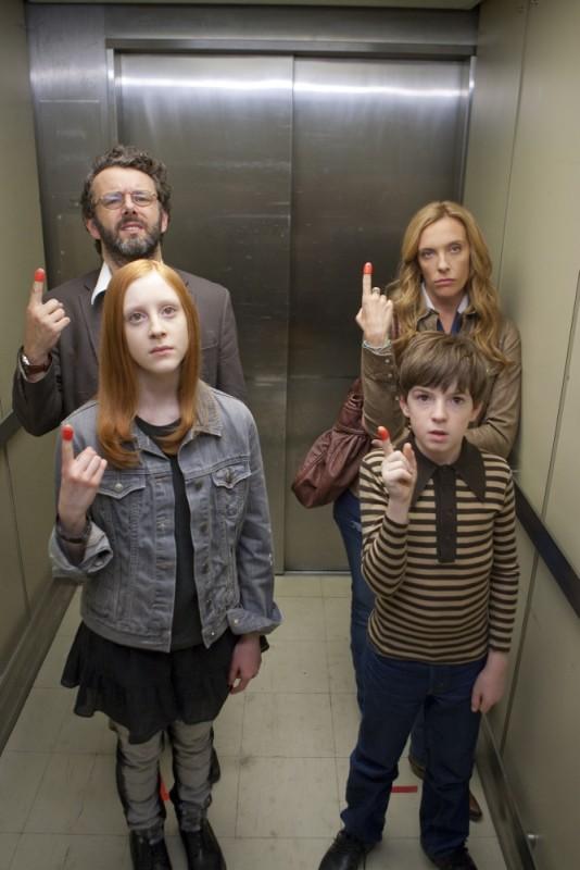 Jesus Henry Christ: Toni Collette, Michael Sheen, Samantha Weinstein e Jason Spevack in una scena del film