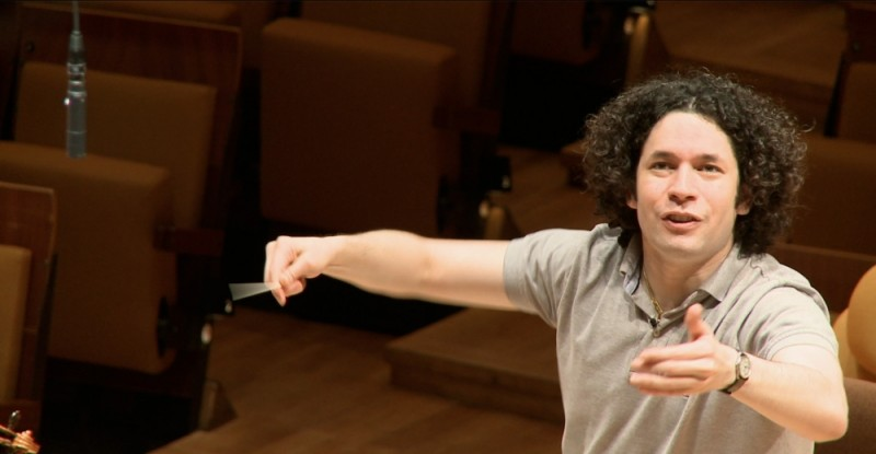 Gustavo Dudamel in un'immagine del documentario Dudamel: Let the Children Play