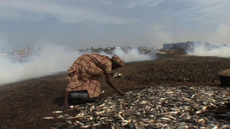 African Women: in viaggio per il Nobel della pace, una straziante immagine del documentario sulle donne africane di Stefano Scialotti