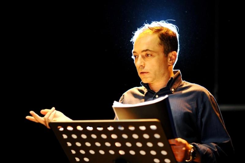 Case chiuse, il regista Filippo Soldi in una foto promozionale
