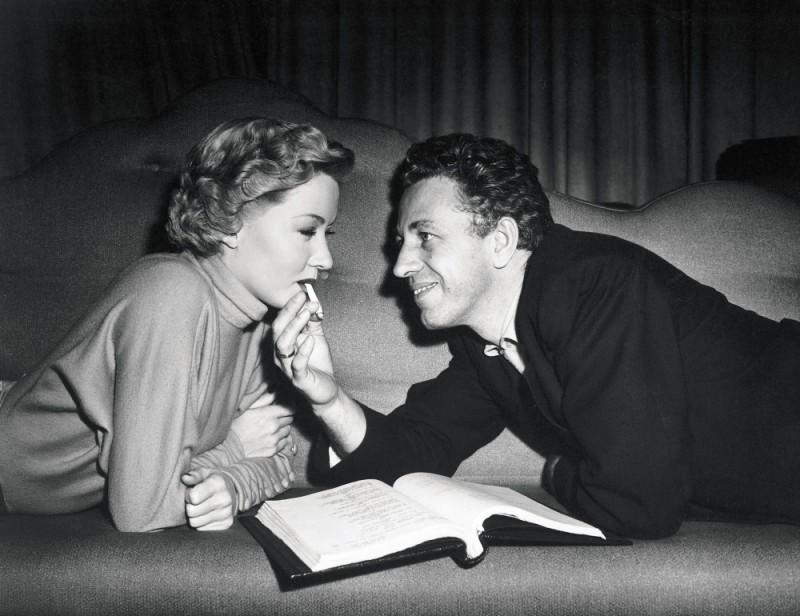 Hollywood Bruciata - Ritratto di Nicholas Ray: Nicholas Ray e Gloria Grahame sul set de Il diritto di uccidere, 1950