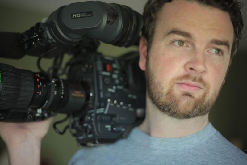 How to die in Oregon: il regista Peter Richardson sul set del documentario