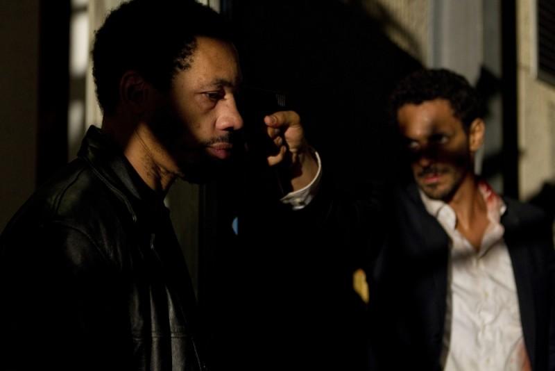 Tomer Sisley e Joey Starr in una scena cruciale del thriller Nuit Blanche