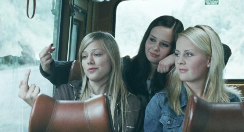 Turn Me On, Goddammit!: Malin Bjørhovde, Helene Bergsholm e Beate Støfring nei panni di tre amiche in una scena del film