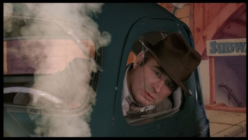 Bob Hoskins in una sequenza del film Chi ha incastrato Roger Rabbit?