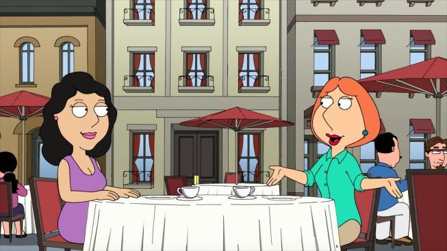 I Griffin: Bonnie e Lois in una scena dell'episodio Foreign Affairs della stagione 9