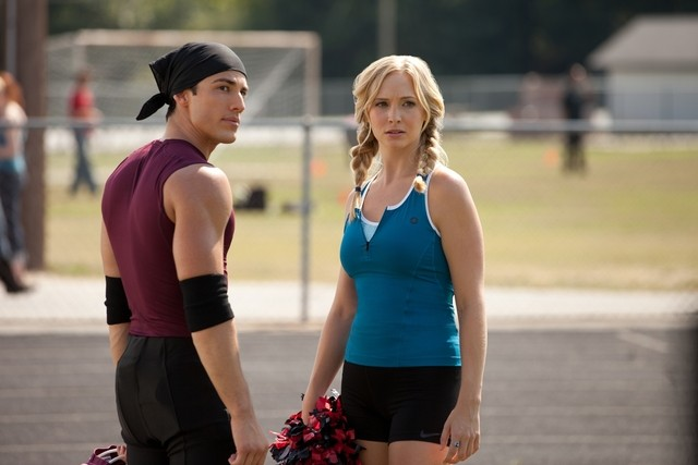 The Vampire Diaries: Michael Trevino e Candice Accola nell'episodio Smells Like Teen Spirit