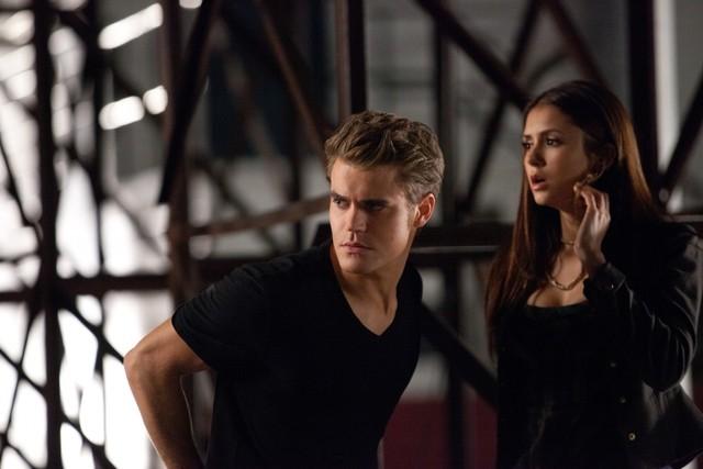 The Vampire Diaries: Nina Dobrev e Paul Wesley in una scena dell'episodio Smells Like Teen Spirit