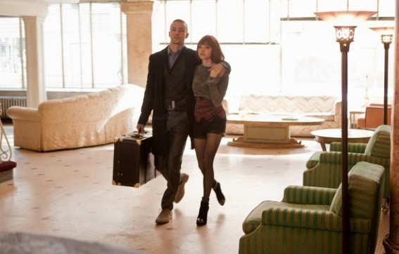 In Time: Justin Timberlake accanto ad Amanda Seyfried in una sequenza dell'action sci-fi