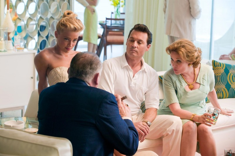 Johnny Depp in The Rum Diary accanto ad Amber Heard