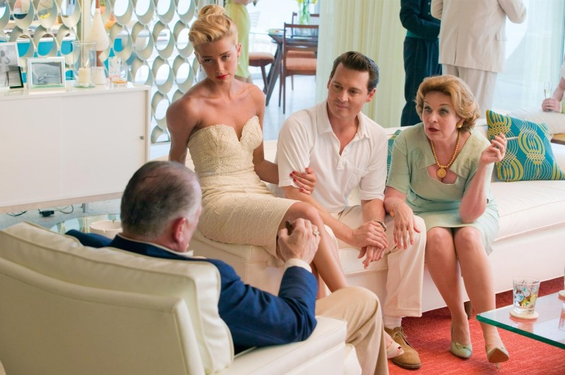 Johnny Depp in The Rum Diary insieme ad Amber Heard