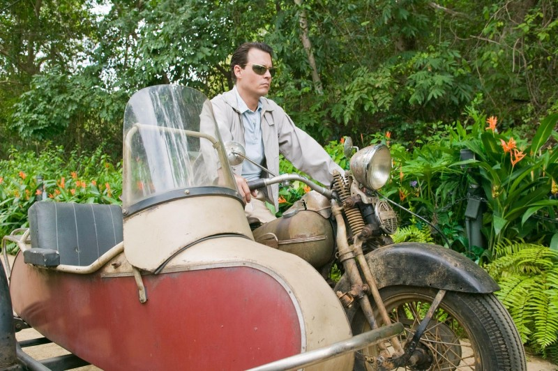 The Rum Diary: Johnny Depp in moto e sidecar