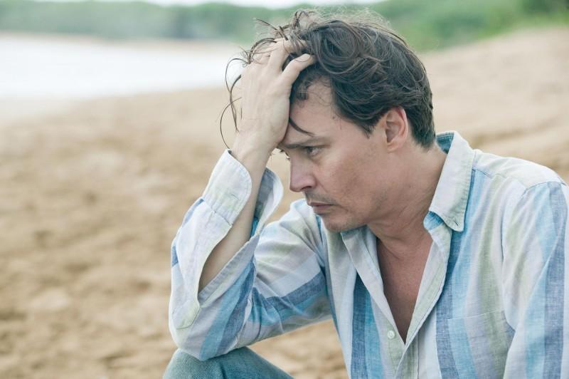 The Rum Diary: Johnny Depp in una scena del film