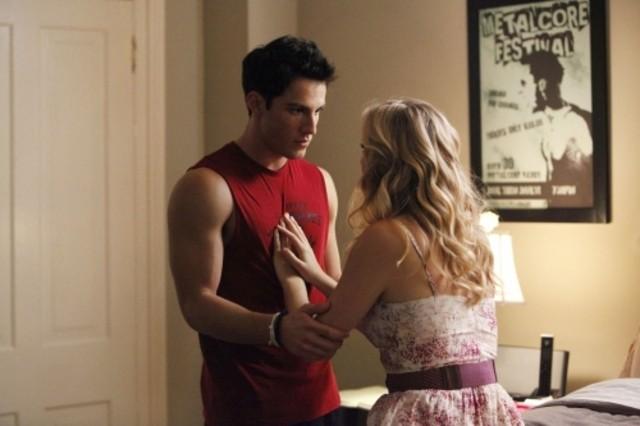 The Vampire Diaries: Michael Trevino e Candice Accola nell'episodio Disturbing Behavior