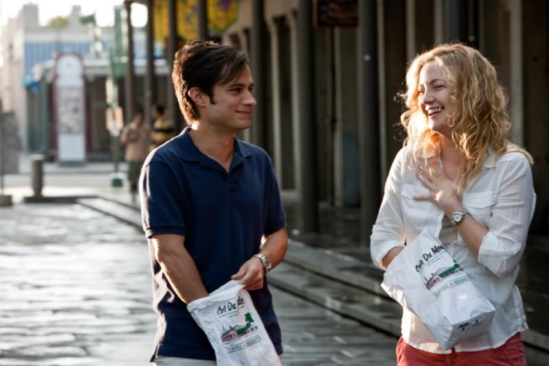 Kate Hudson e Gael Garcìa Bernal in una scena de Il mio angolo di paradiso